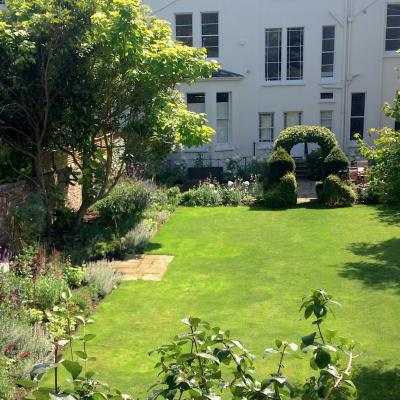 Townhouse Garden View