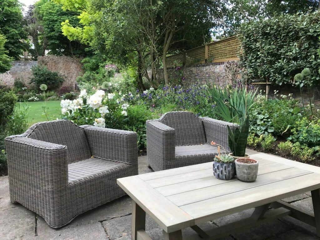 Formal Garden Summer lounge seating
